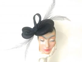 Fascinator d.blau Parabuntal m Federgarnitur.jpg