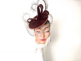 Parabuntal Fascinator mit Schleier.JPG